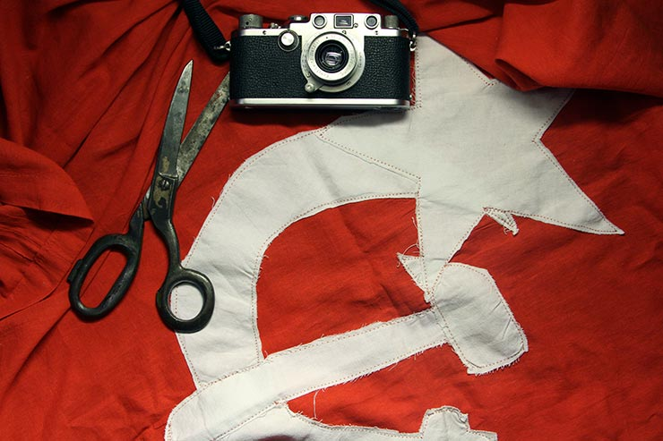 Khaldei's Leica and Victory flag dummy