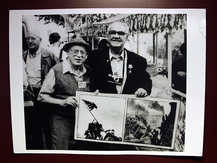 Yevgeny Khaldei and Joe Rosenthal with their famous photographs in Perpignan, 1995